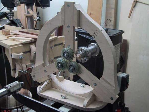 Самодельный деревянный люнет для токарного станка